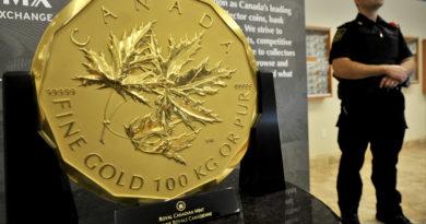 gold-coin-stolen-queen-elizabeth-big-maple-leaf